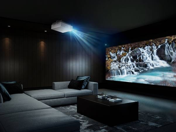 LG presenta el proyector CINEBEAM 4K UHD HU810P